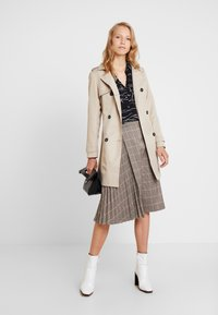 Apart - GLENCHECK PLISSEE SKIRT - A-line skirt - taupe/multicolor - 1