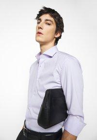 HUGO - KASON - Formální košile - light/pastel purple - 3