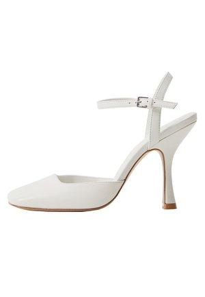 BON - Sandaler med høye hæler - cremeweiß
