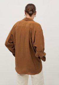 Mango - MADE - Button-down blouse - braun - 2