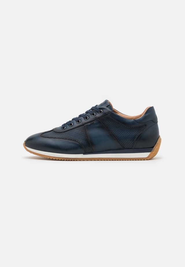 Sneakers laag - blu
