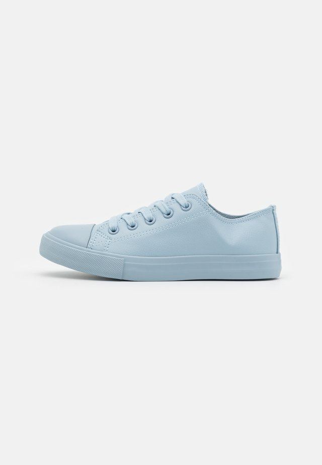 CLASSIC TRAINER UNISEX - Sneakers laag - dusty blue