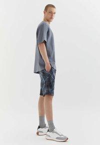 PULL&BEAR - Shorts - grey - 3