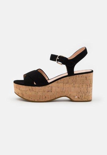 JASPER - Sandály na platformě - black