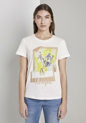 T-SHIRT T-SHIRT MIT FLORALEM PRINT - Print T-shirt - whisper white