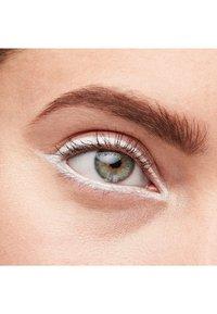 MAC - KAJAL CRAYON - Eyeliner - gone blanc - 2