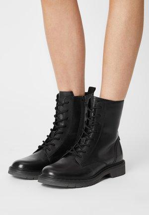 MODENA - Botines con cordones - black