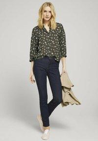 TOM TAILOR - Bluser - khaki small floral design - 1