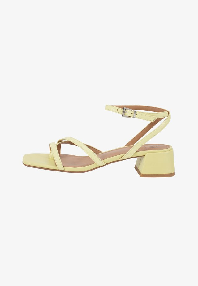Sandals - lime
