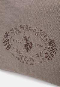 U.S. Polo Assn. - VICTORIA HOBO - Olkalaukku - brown - 3