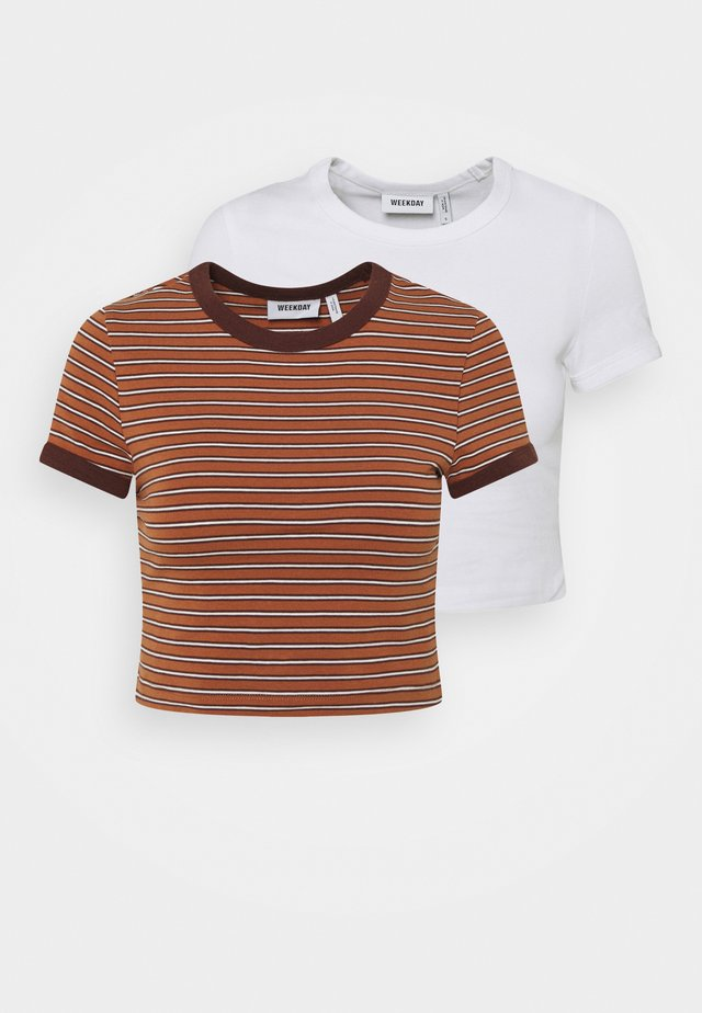GEMINI 2 PACK - T-shirts med print - brown/white