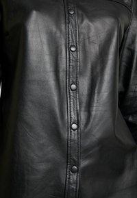 Object - OBJKASANDRA - Košile - black - 5