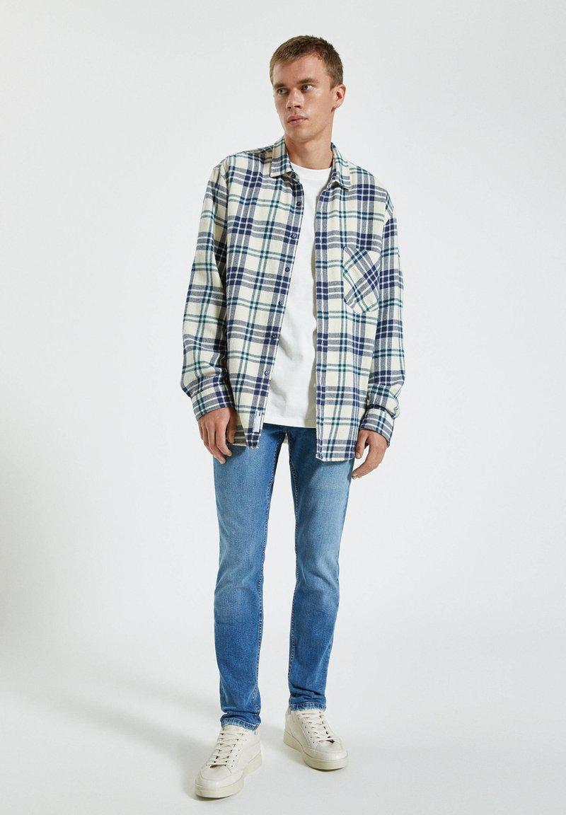 PULL&BEAR Jeans Slim Fit - blue denim deiG7f