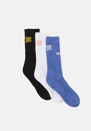 YT SAVAGE 3 PACK - Socks - black/purple/white