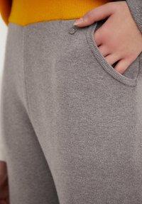Finn Flare - Tracksuit bottoms - grey melange - 1