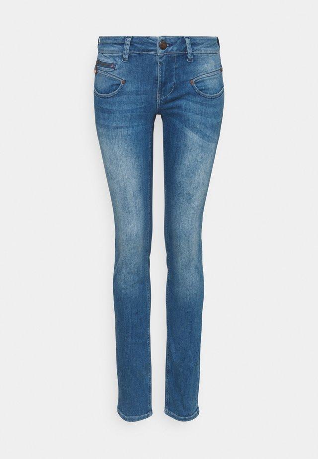 ALEXA - Slim fit jeans - bahamas