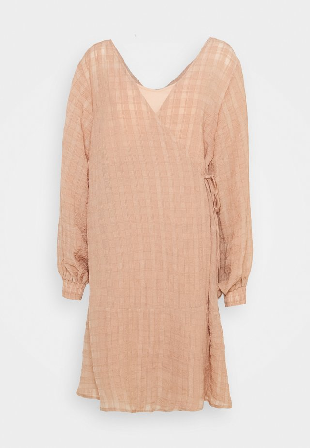 LCRIVA WRAP DRESS - Day dress - sesame