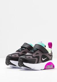 Nike Sportswear - AIR MAX 200 - Sneakers laag - black/metallic silver/thunder grey/aurora green-hyper violet/barely volt - 3