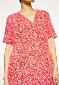 Monki - SILENA DRESS - Skjortekjole - red - 6