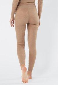Intimissimi - LEGGINGS AUS WOLLE UND SEIDE - Leggings - Stockings - hautfarbe (sahara) - 2328 - cammello - 1