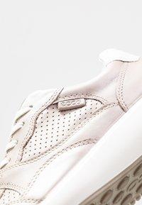 ECCO - SOFT 7 RUNNER - Sneakersy niskie - beige - 2