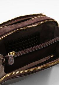 L.CREDI - FRANCES - Across body bag - braun - 3