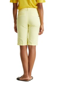 Esprit - Shorts - lime yellow - 4