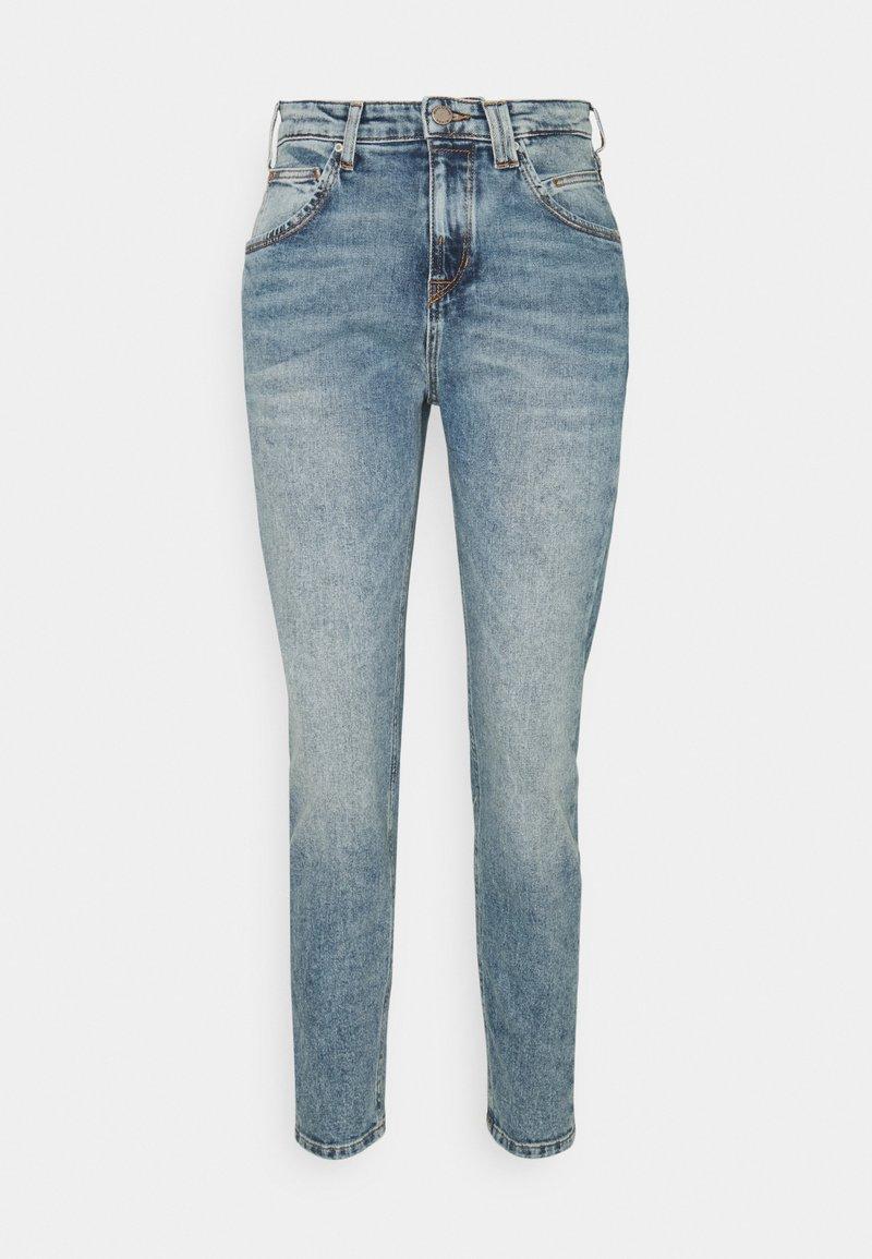 Marc O'Polo DENIM - FREJA BOYFRIEND - Relaxed fit jeans - light blue