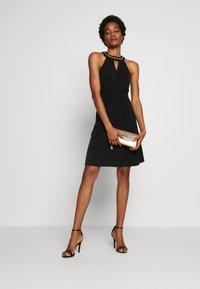 Vila - VIROSA PEARL KEYWHOLE DRESS - Vestido de cóctel - black - 1