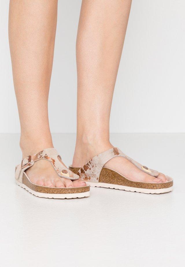 GIZEH - T-bar sandals - vintage metallic rose copper