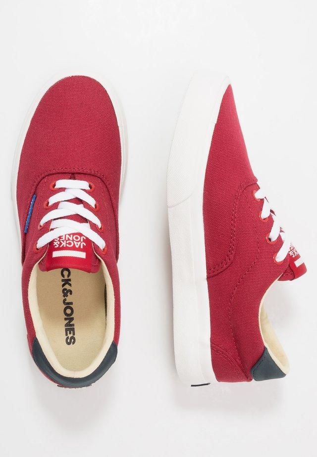 JRMORK - Sneakersy niskie - red dahlia