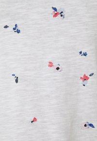 edc by Esprit - CORE - Print T-shirt - white - 2