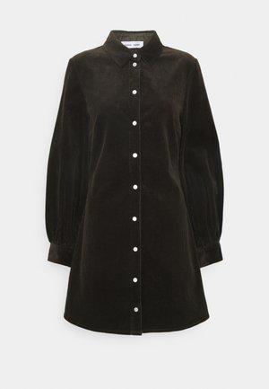 MOONSTONE DRESS - Skjortekjole - black olive