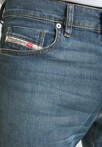Diesel - D-STRUKT - Jeans Tapered Fit - indigo - 5