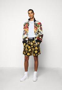 Versace Jeans Couture - PRINT BELT PAISLE - Bomber bunda - rosso - 1