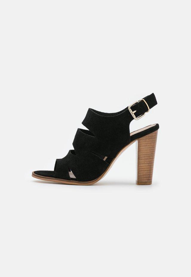 AURIA - Sandales - noir