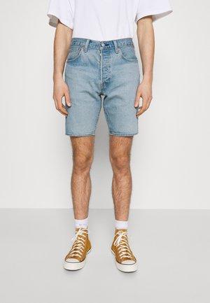 501® HEMMED - Denim shorts - light-blue denim