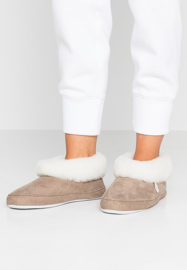 EMMY - Chaussons - stone/white
