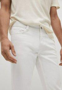 Mango - JAN - Slim fit jeans - blanco - 4