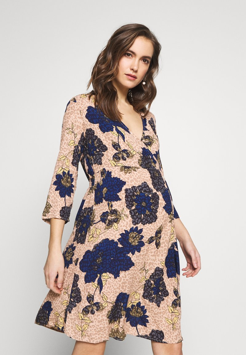 MAMALICIOUS - MLYASMINA TESS DRESS - Vestido informal - orion blue