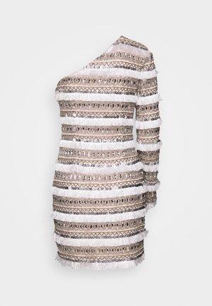 FRINGE EMBELLISHED ONE SHOULDER MINI - Vestido de cóctel - white