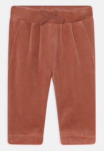 NBFNAYA - Trousers - etruscan red