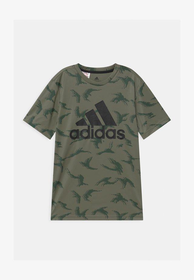 UNISEX - T-shirt imprimé - legacy green/black