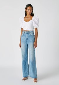 PULL&BEAR - FLARE-FIT - Flared Jeans - blue - 1