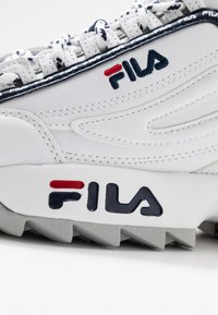 Fila - DISRUPTOR LOGO - Baskets basses - white/navy/red - 2