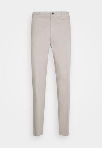 TRUMAN - Pantaloni - reed