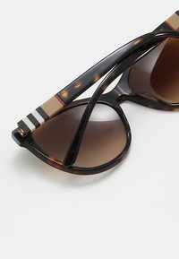 Burberry - Sluneční brýle - havana - 4