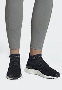 adidas by Stella McCartney - ULTRABOOST X 3D SHOES - Zapatillas de running neutras - black - 0