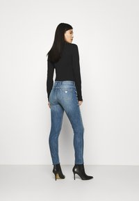 Guess - Jeans Skinny Fit - soldier - 2