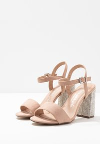 New Look Wide Fit - WIDE FIT TOYAL  - Sandali con tacco - oatmeal - 4